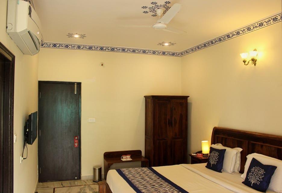 OYO 1484 Hotel Royal Pratap Niwas