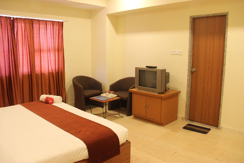 OYO 1697 Hotel PM Regency