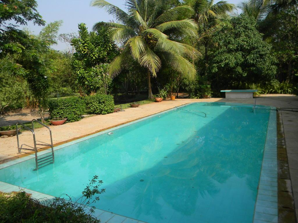 2 BHK Bungalow in Alibaugh with Swimming Pool in Varsoli
