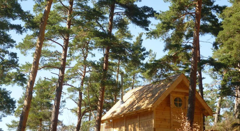 Cabane Lodge Domaine du Lac Chambon in Murol
