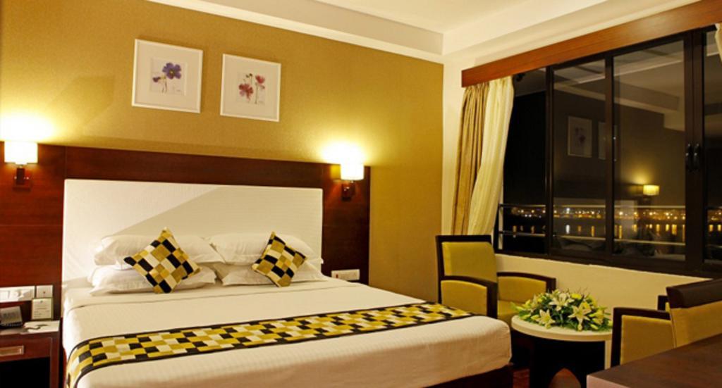 Cochin Seaport Hotel in cochin