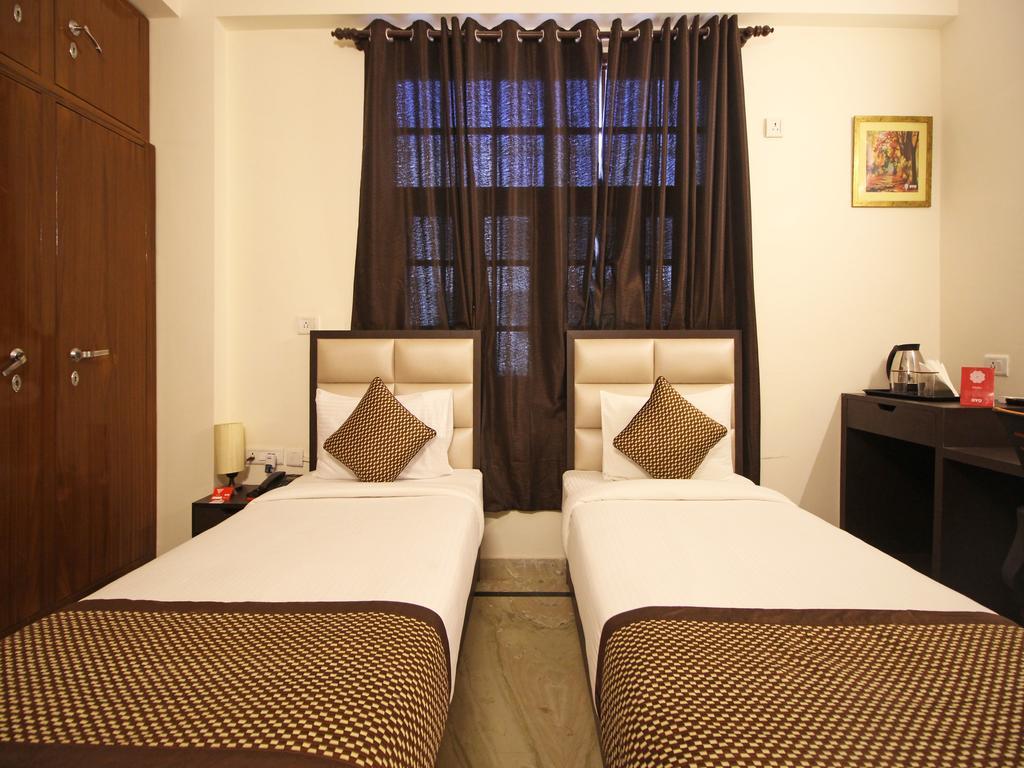 Cosy Tree Rooms - Sector 62 in noida