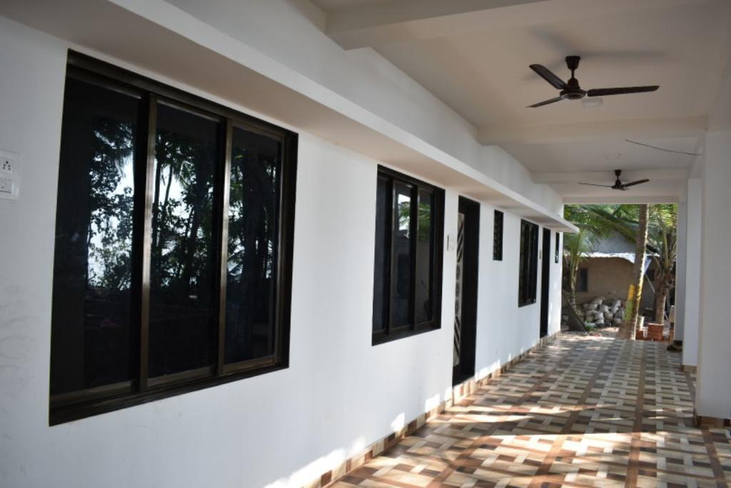 Devbag Beach House in Malvan