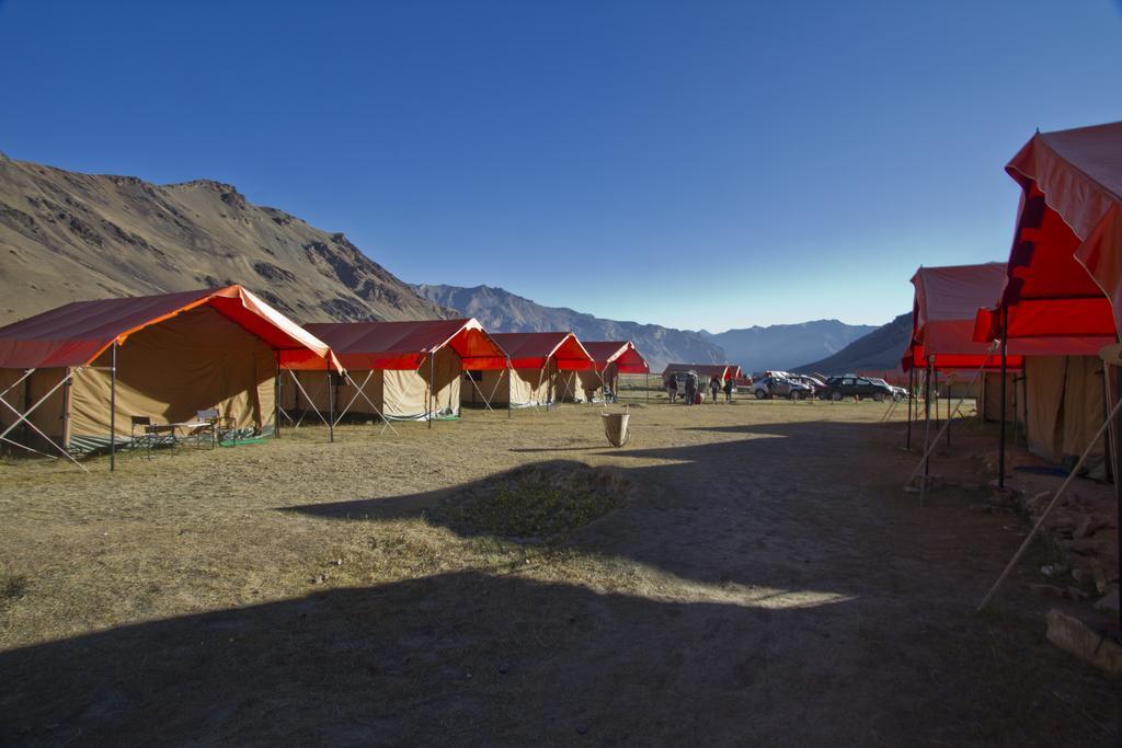 Goldrop Camp Sarchu in Sir Bhum Chun