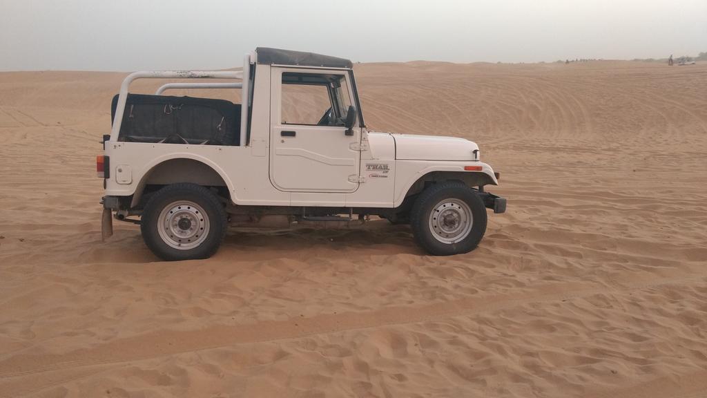 Hanif Desert jeep safari in Jaisalmer