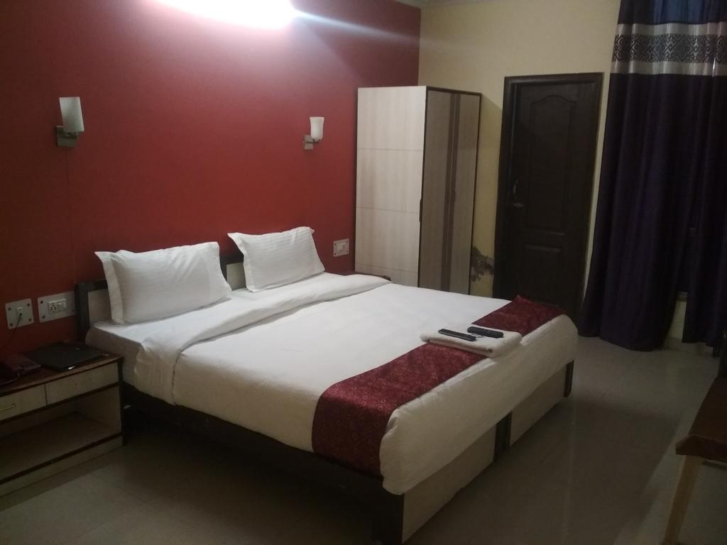 Happy Stay in greater noida