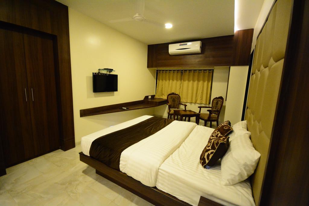 Hotel 24seven in Nashik