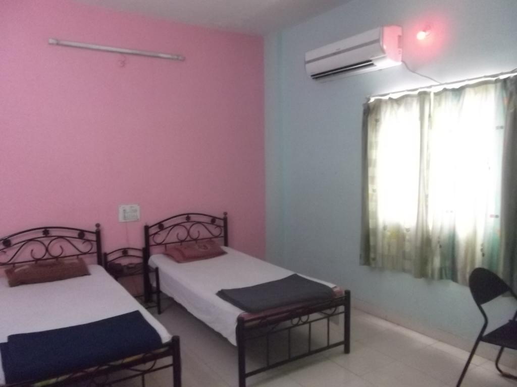 Hotel Anuradha Palace in Daund