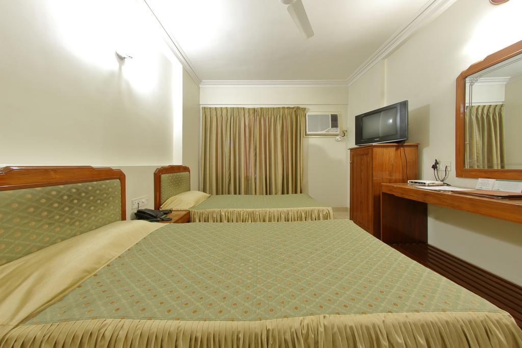 Hotel Apex in Surat
