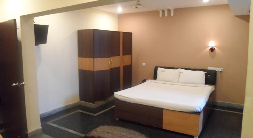 Hotel Crystal Banjara in hyderabad