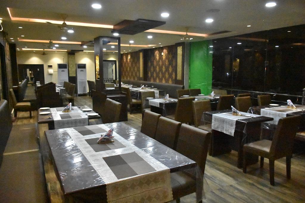 Hotel Daftari Palace in Kishanganj