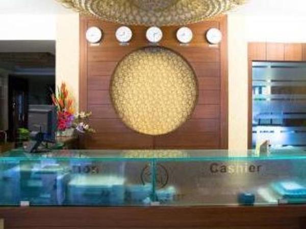Hotel Grandeur in hyderabad