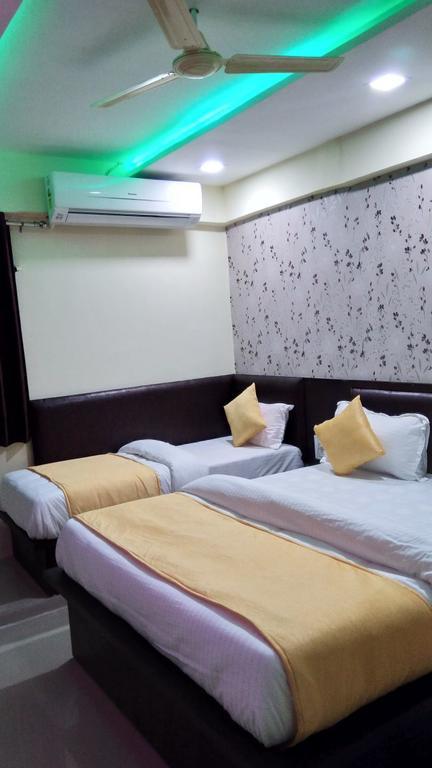 Hotel Hill Look Inn in Gandhinagar