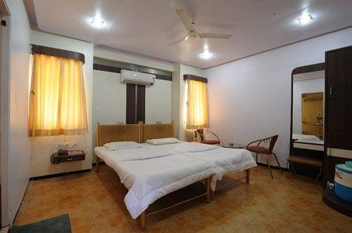 Hotel Jalsagar in vadodara