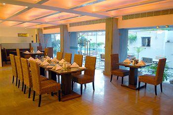 Hotel Karan in Trimulgherry