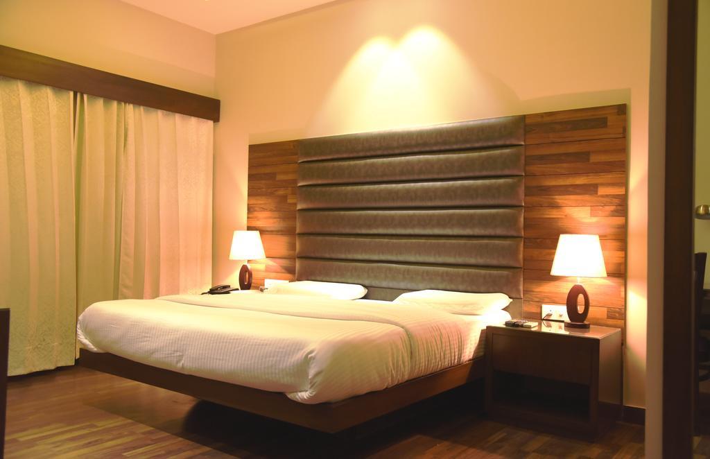 Hotel Kingz in Fīrozpur