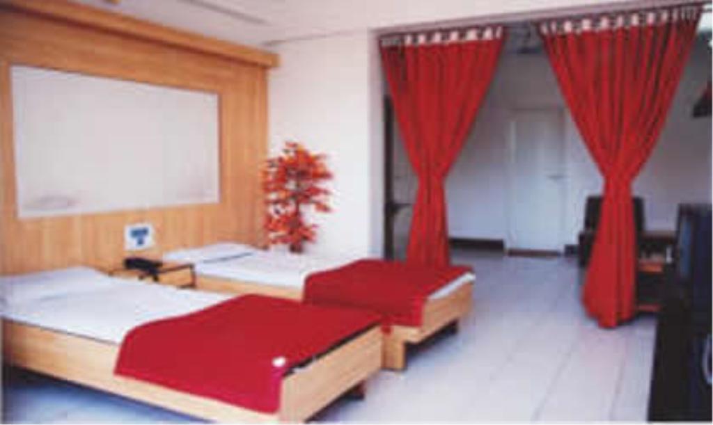 Hotel Manas in Latur