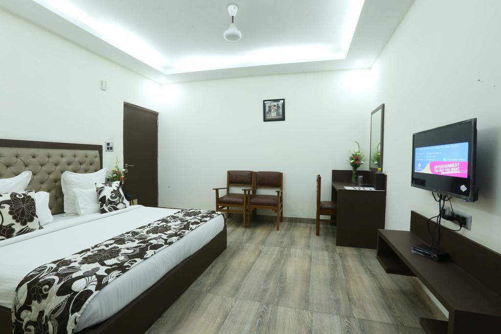 Hotel Metropolitan Express in New Delhi