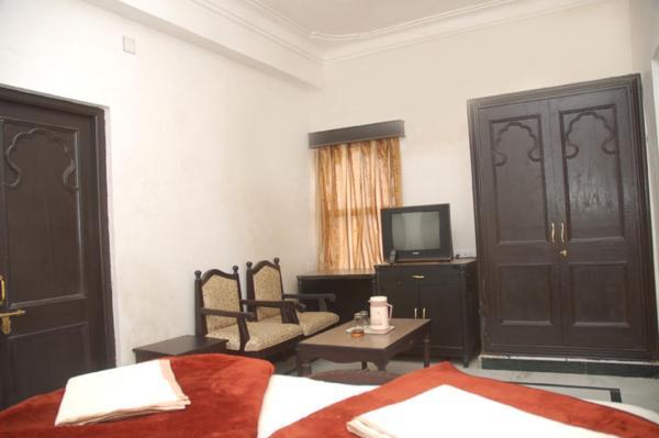 Hotel Moti Mahal in udaipur