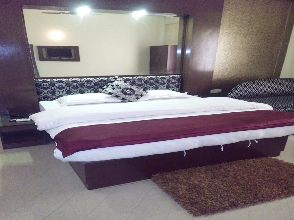 Hotel New Park Plaza in haridwar