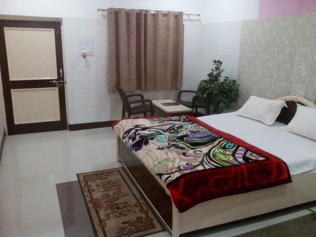 Hotel Pratap Palace in bharatpur