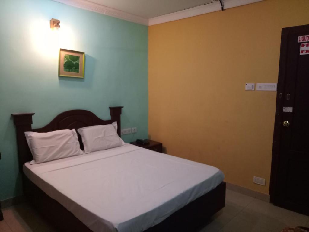 Hotel Priya in Chengannūr