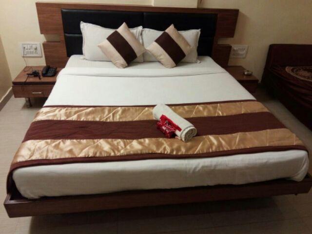 Hotel Ratnadeep in ahmedabad