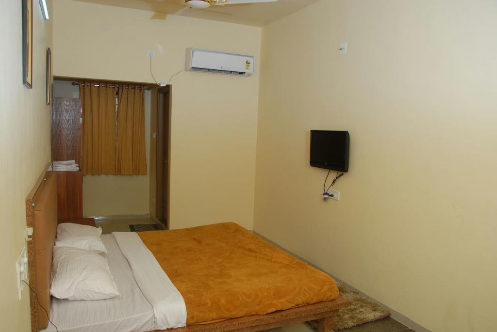 Hotel Ronak Royal in porbandar