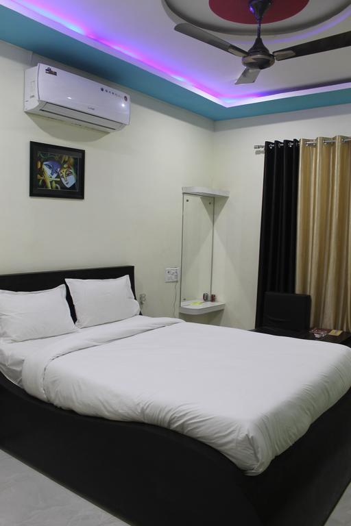 Hotel Sakshi & Restaurant in Rewa