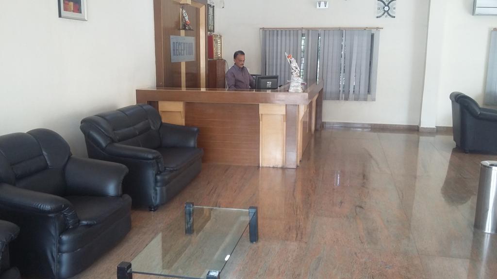 Hotel Samartha Comforts in Gangāwati