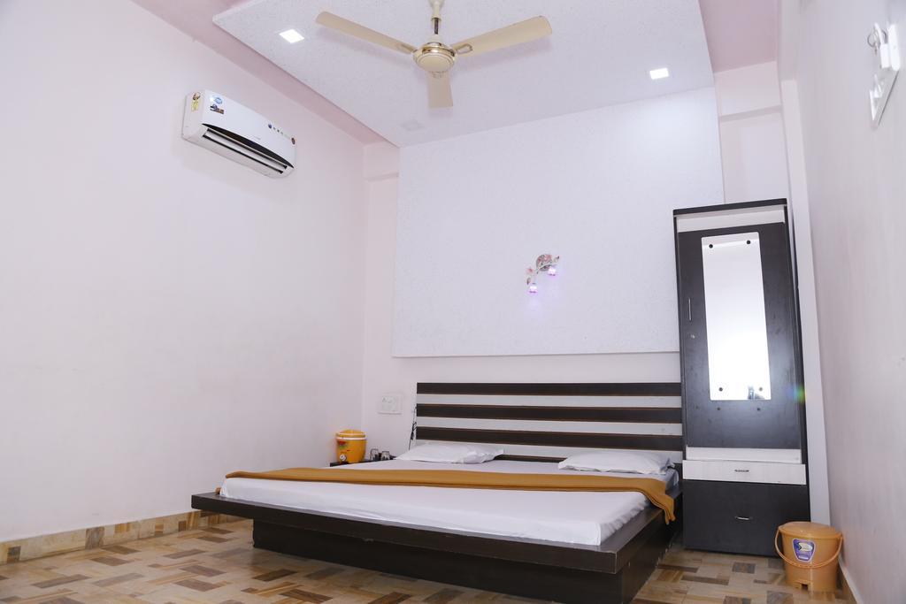 Hotel Shiv Dhara in Veraval