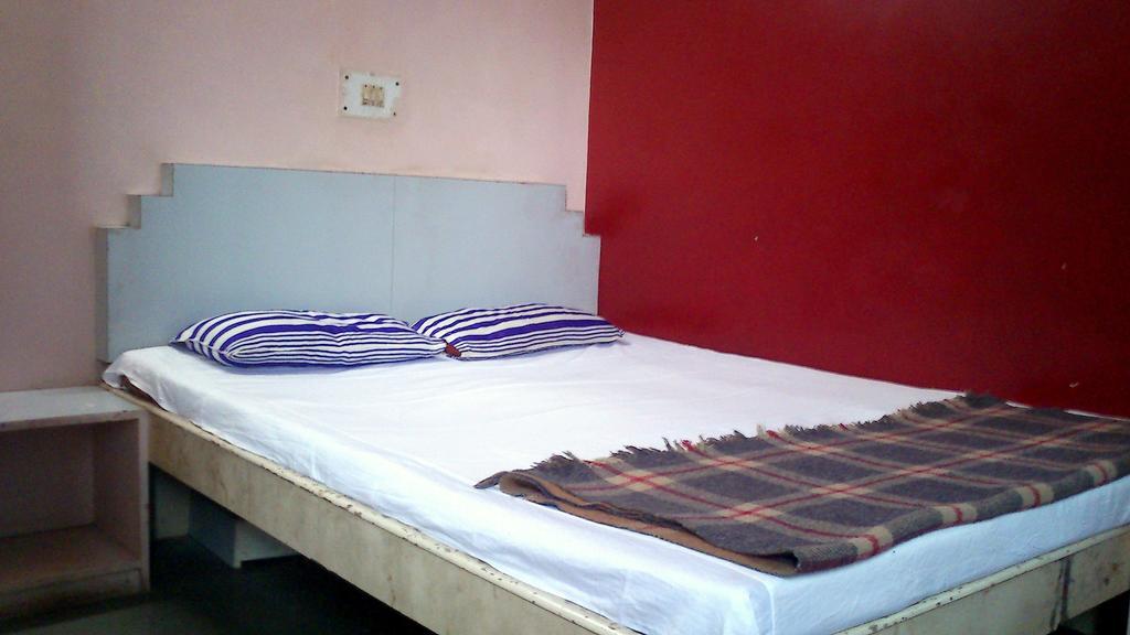 Hotel Silver Plaza in Jālgaon