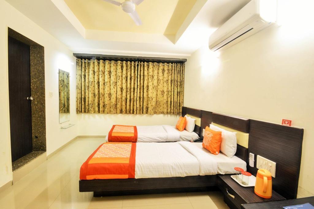 Hotel Skyland in ahmedabad