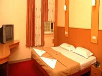 Hotel Viknesh in Erode