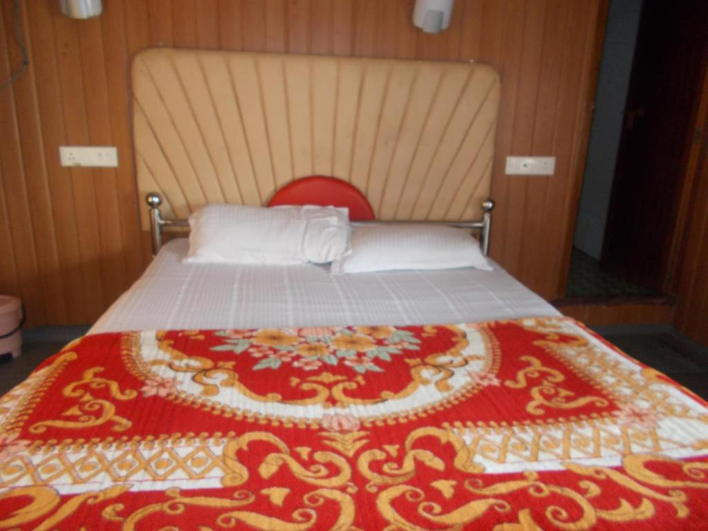 Incognito House Boats - Whisper in Alleppey
