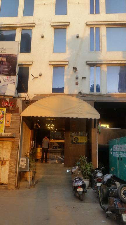 Janardan Homestay White Klove Delhi in New Delhi