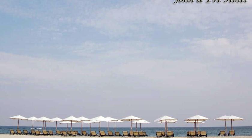John & Eve Hotel in Paralia