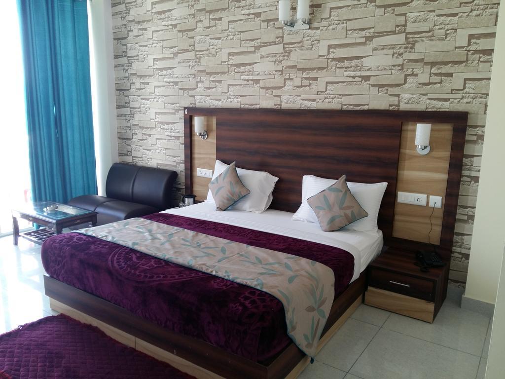 Kasauli Continental Resort in Kasauli