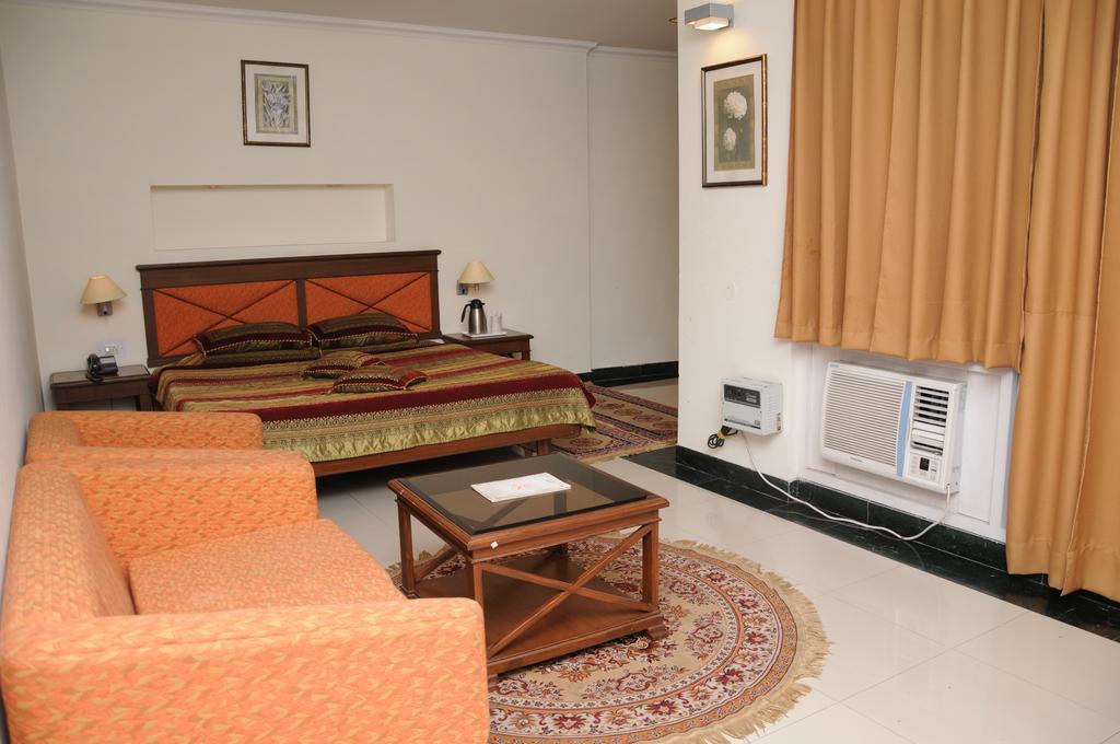 Kenwood Resorts in kasauli