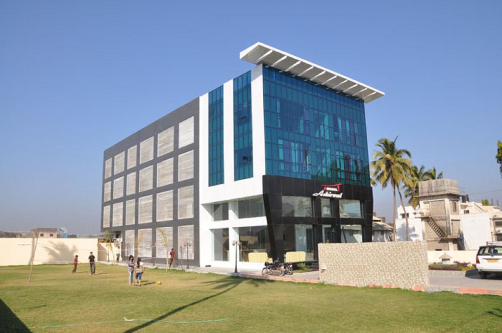 King's Kraft Hotel Ashirwad in Junagadh