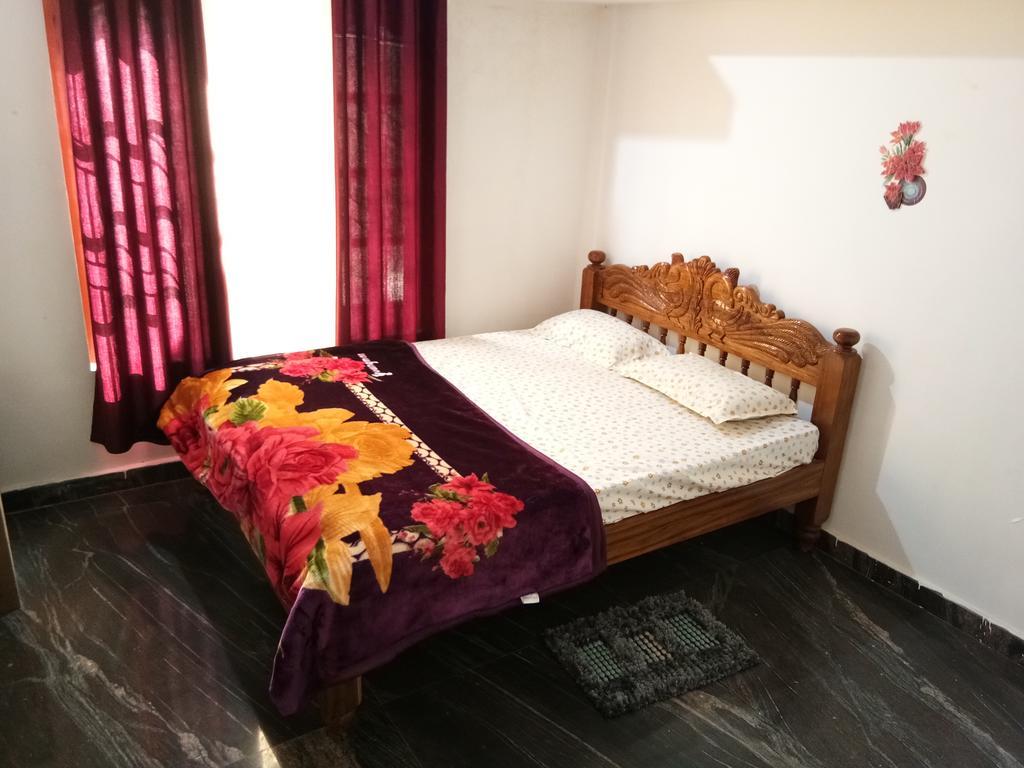 Mandys Stay in Kushālnagar