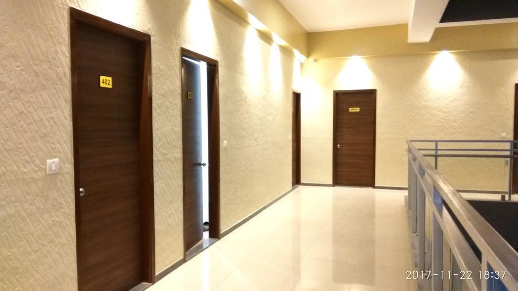 massoMo Banquets & Rooms in Surat