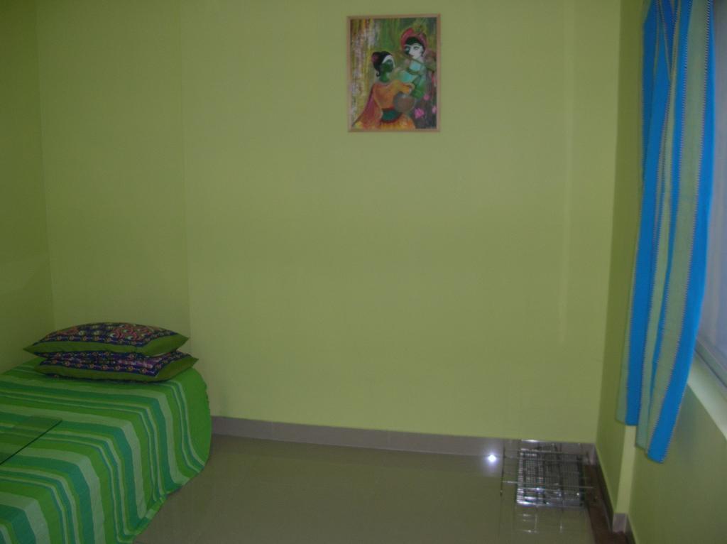 Mukherjee's- Green Field in Kolkata