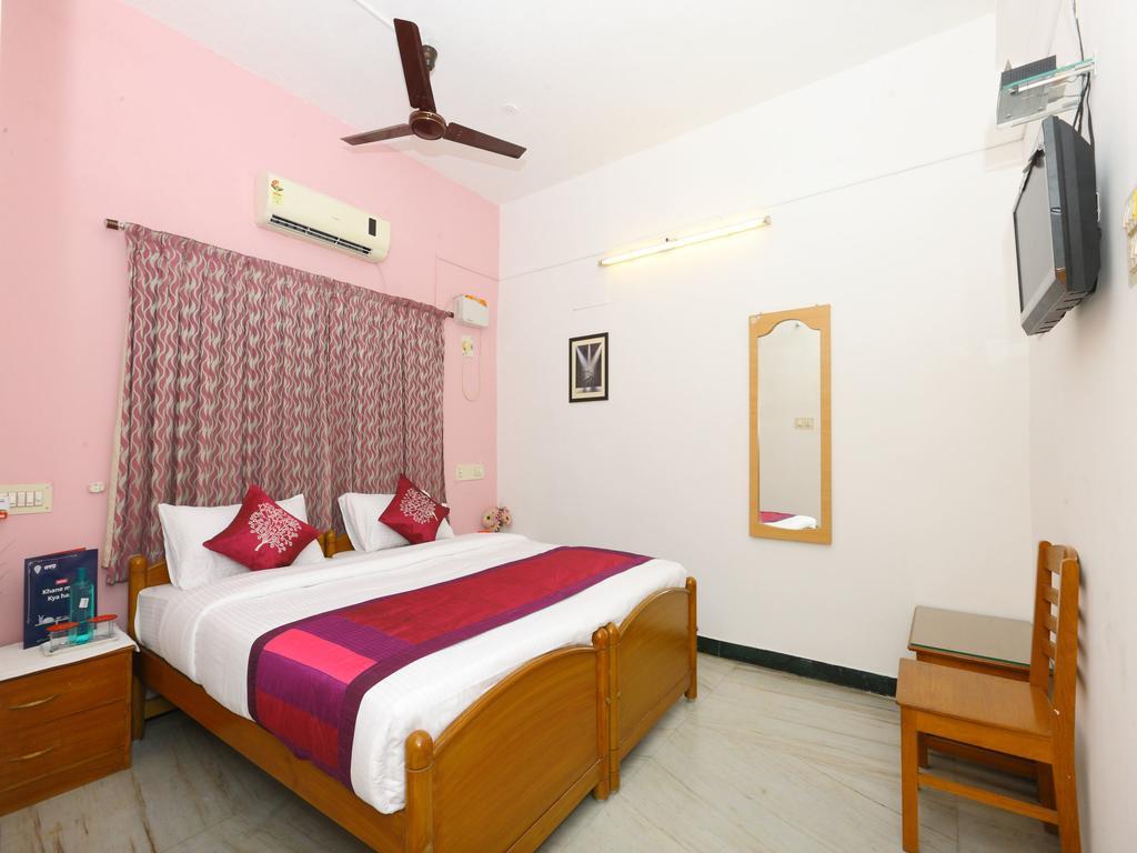 OYO 10018 Hotel AKS Shelter in Chennai