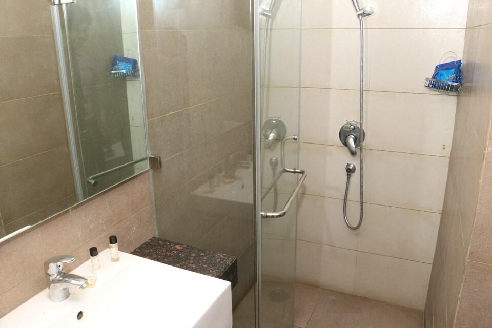 OYO 1305 Hotel Lamellz in Ludhiana