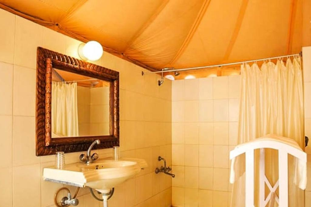 Private room in a tent, by GuestHouser in Mandvi