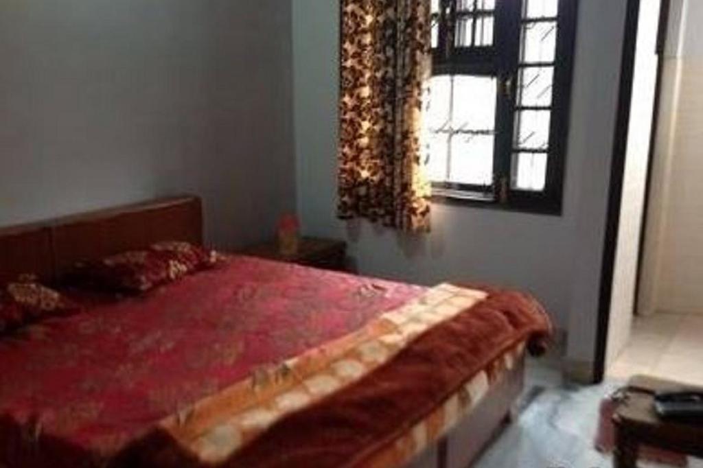 Raja Guest House in jalandhar