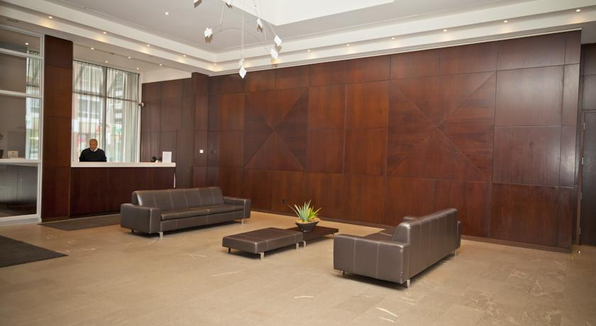 Red Maple Suites- Entertainment District in toronto
