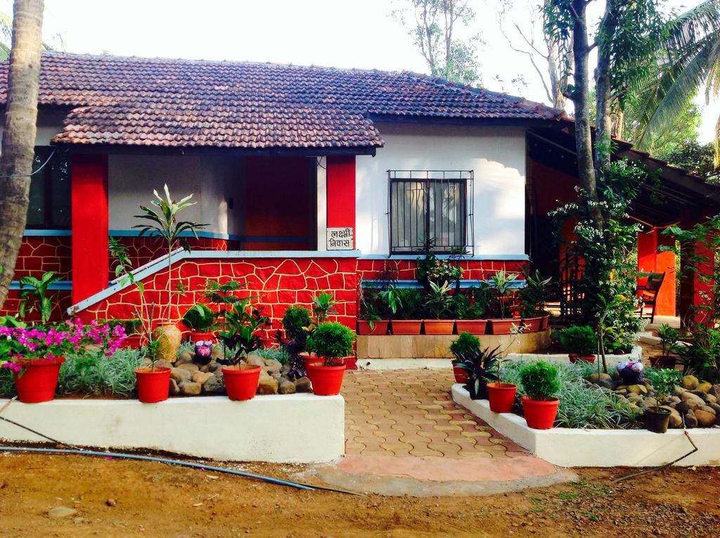 Red Stone Villa in Chandoli