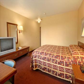 Regency Inn & Suites in Anoka